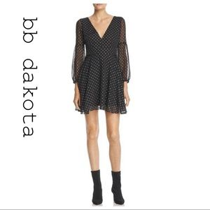 NWT! BB Dakota XS Black Star Long Sleeve Dress